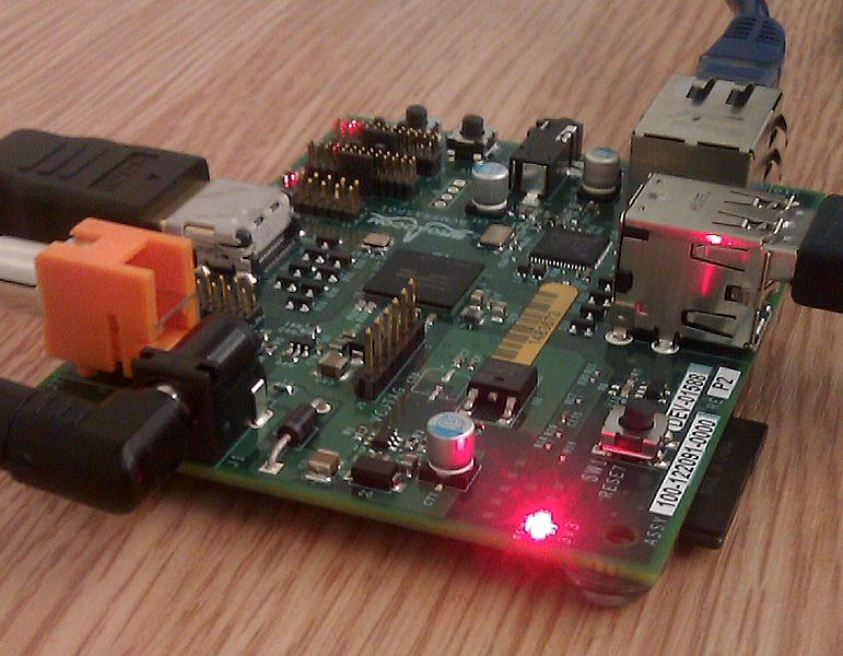 771px-Raspberry_Pi_board_at_TransferSummit_2011_cropped